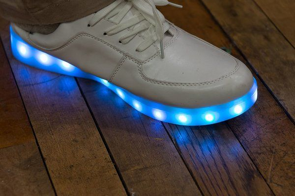 mode chaussures lumineuses