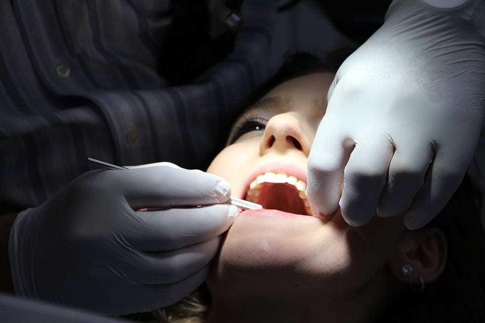 Soigner les caries dentaires