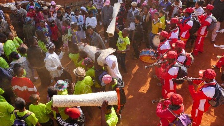 Le famadihana, un moment de fête